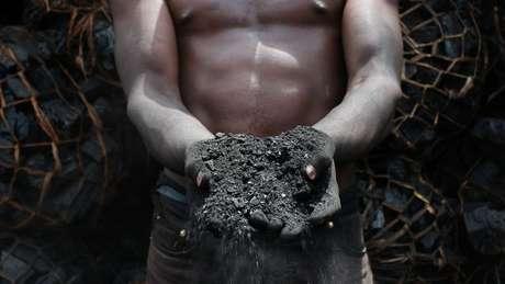 O carvão não é apenas poluente - é também perigoso para as pessoas que trabalham com ele