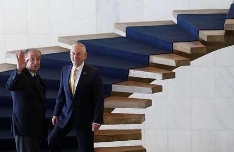 O Secretário de Defesa dos EUA, James Mattis, e o ministro das Relações Exteriores, Aloysio Nunes, no Palácio do Itamaraty