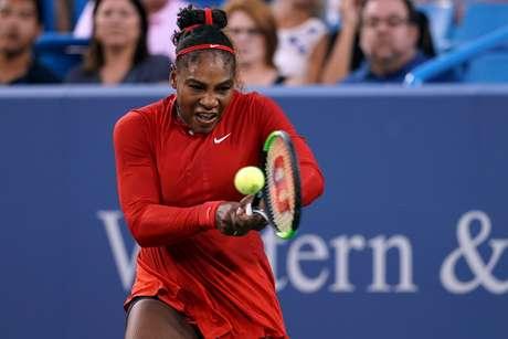 Serena Williams luta para retomar o posto de nº 1 da WTA