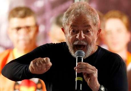 Ex-presidente Luiz Inácio Lula da Silva durante evento em Curitiba 28/03/2018 REUTERS/Rodolfo Buhrer