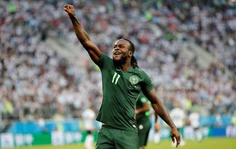 Victor Moses deixa seleção da Nigéria para se concentrar no futebol ... b211001771a2b