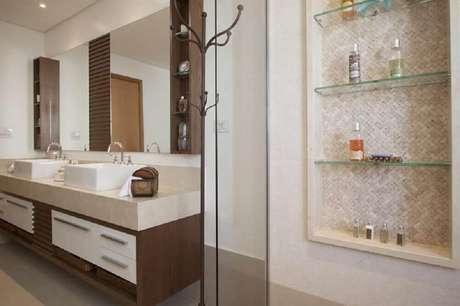 31. Também pode-se utilizar o papel de parede como revestimento do nicho para banheiro