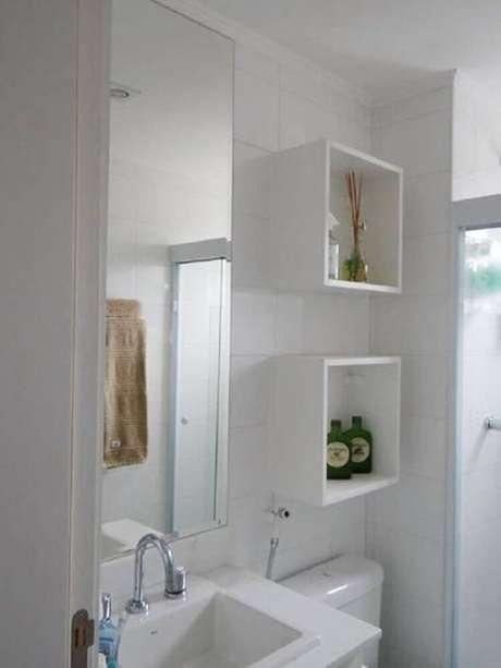 28. Modelos simples e básicos de nicho para banheiro