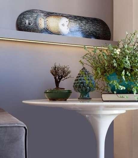 1. A mesa redonda pode ser usada de diversas maneiras em casa