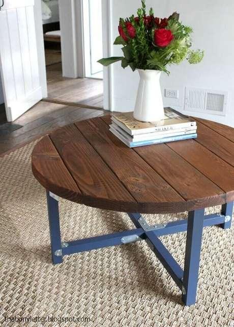 31. Modelo simples de mesa de centro redonda – Foto: Clinton Street Binghamton