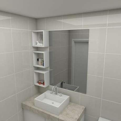 65- Nicho para banheiro pequeno organiza e decora o espaço. Fonte: Pinterest