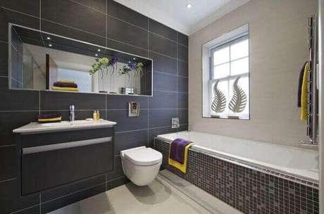 57- Nicho para banheiro espelhado pode ser utilizado em qualquer espaço do ambiente e combina com todas as cores. Fonte: Pinterest