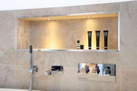 61- Nicho para banheiro grande moderno e sofisticado. Fonte: Pinterest