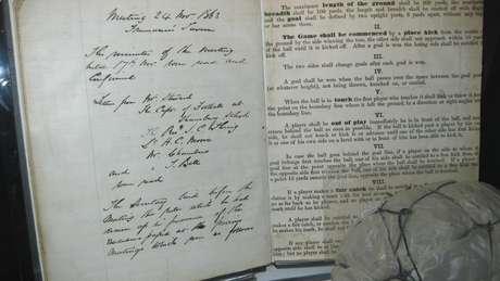 Ebenezer Cobb Morley  o advogado do século 19 que fez do futebol o ... bafa3b8ac991e