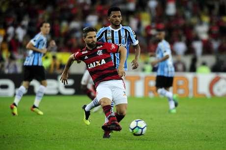 O jogador Diego do Flamengo durante a partida entre Flamengo e Grêmio, válida pela Copa do Brasil 2018 no Estádio Maracanã no Rio de Janeiro (RJ), nesta quarta-feira (15).