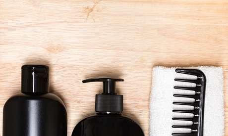 Anvisa proíbe comercialização de dois alisantes de cabelo