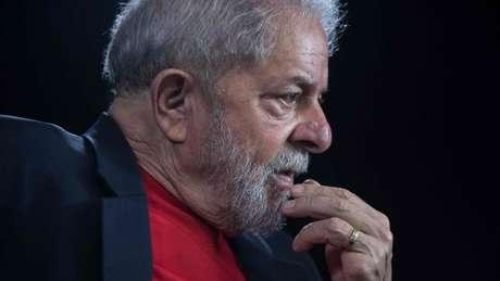 Lula está preso desde abril, condenado em segunda instância a 12 anos e um mês de prisão por corrupção passiva e lavagem de dinheiro