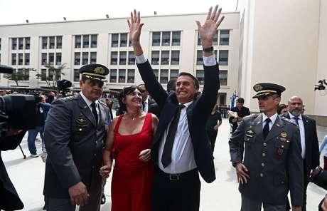 Jair Bolsonaro em cerimônia de entrega de espadins a cadetes em formatura na Academia Militar das Agulhas Negras, em Resende