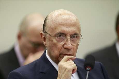 """Os marqueteiros de Meirelles (MDB) adotaram linha semelhante a de Alckmin (PSDB) e deve atacar Bolsonaro; mas neste caso o mote é que o eleitor não deve votar """"com os olhos cegos pela indignação"""""""