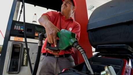 Recentemente, Maduro anunciou o fim do comércio de gasolina subsidiada