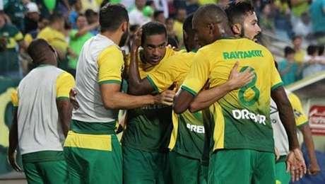 Cuiabá supera Atlético Acreano e fica perto do acesso na Série C