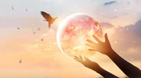 Religião e Espiritualidade travam um combate imemorial no coração da humanidade