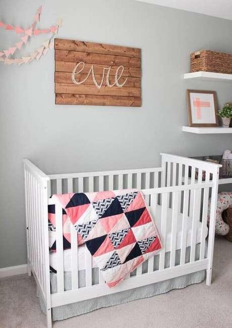 14. Estilo moderno para decoração de quarto de bebê feminino simples e barato – Foto: Arelis April