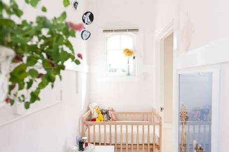 7. Aproveite ao máximo a iluminação natural no quarto de bebê simples e pequeno – Foto: Apartment Therapy