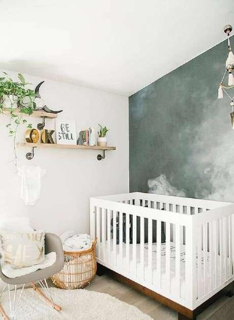 40. Que tal fazer uma pintura diferente no quarto de bebê feminino simples e barato? O ambiente ganha um ar super diferente se combinado com móveis mais modernos – Foto: Design Asylum Blog