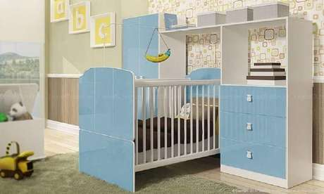39. Decoração para quarto de bebê simples com móveis azul e branco – Foto: Lojas KD