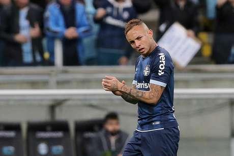 Everton comemora o gol do Grêmio
