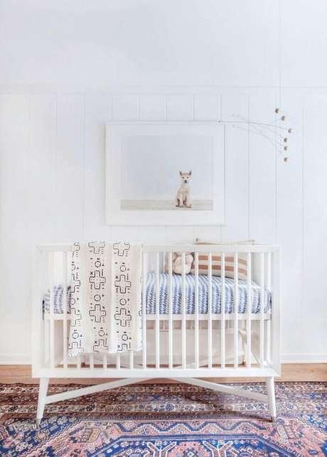 49. Modelo de berço para decoração de quarto de bebê feminino simples e barato – Foto: Freshome