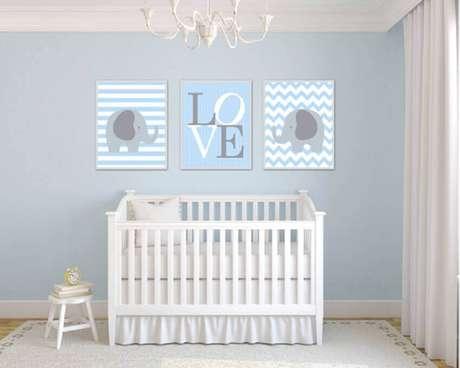 4. Invista em móveis de boa qualidade para o quarto de bebê simples – Foto: Etsy