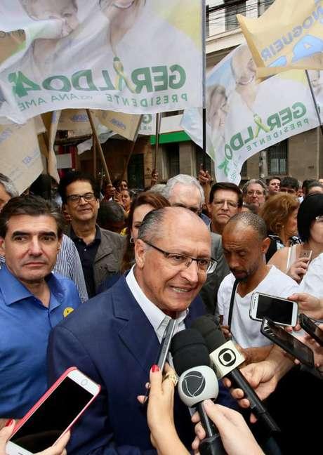 Presidenciável do PSDB, Geraldo Alckmin, esteve em Ribeirão Preto (SP), neste sábado, 25, onde se encontrou com prefeitos do interior paulista e fez corpo a corpo com o eleitorado