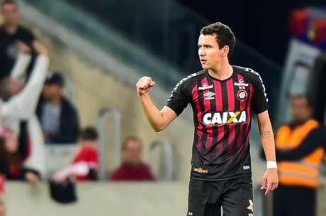 Pablo conseguiu o empate do Atlético-PR