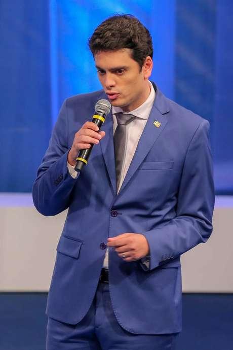 Rodrigo Tavares (PRTB), participa do debate entre candidatos a governador do estado de São Paulo, das eleições 2018 promovido pela Rede TV, na sede da emissora em São Paulo (SP), nesta sexta-feira (24).