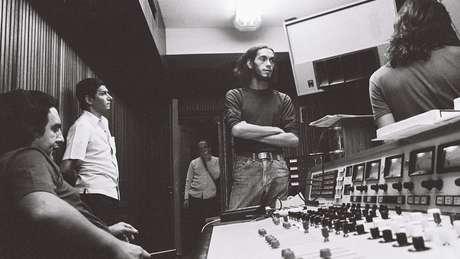 Depois do fracasso do álbum, Verocai se dedicou à gravação de jingles