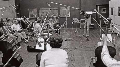 Verocai gravou seu álbum durante um mês no Rio, com a participação de uma grande orquestra