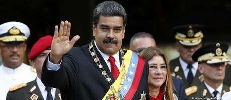 Maduro ao lado de Cilia Flores. Filhos da primeira-dama são suspeitos de embolsarem 184 milhões de dólares de esquema.