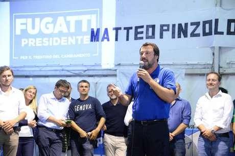 Matteo Salvini durante comício em Pinzolo, em 25 de agosto