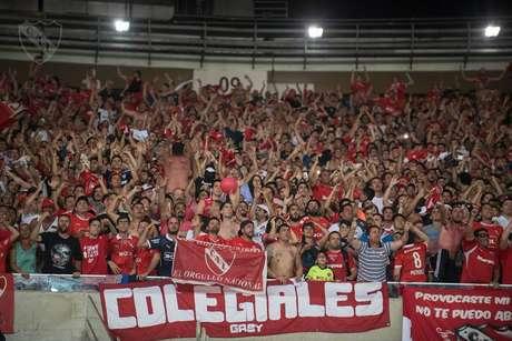 Independiente pede a torcedores para não imitarem macacos no jogo contra o Santos