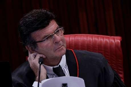 O ministro Luiz Fux durante sessão do Tribunal Superior Eleitoral