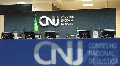 Desembargador que votou a favor de Flávio Bolsonaro é investigado pelo CNJ