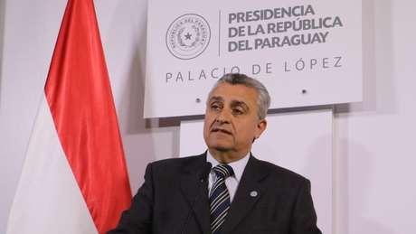 O ministro do Interior do Paraguai, Juan Ernesto Villamayo, classificou o furto de fuzis como 'grave'