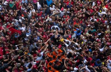 Luiz Inácio Lula da Silva já é o grande vencedor das eleições presidenciais deste ano, independentemente da decisão do TSE sobre sua candidatura, disse nesta terça-feira o candidato a vice na chapa petista, Fernando Hadadd