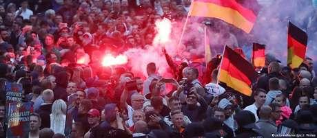 Grupos extremistas também convocaram um protesto na cidade, que resultou em enfrentamento com a outra manifestação
