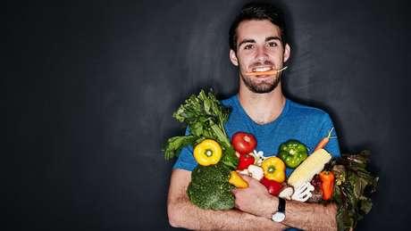 Quem trabalha em turnos diferentes deve prestar atenção especial nos horários em que faz as refeições