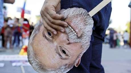 Preso em Curitiba desde abril, Lula lidera as pesquisas de intenção de voto