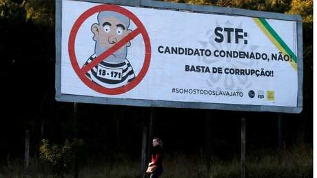 Mesmo impedido de concorrer pela Justiça Eleitoral, candidatura de Lula pode ser mantida até decisão do STF