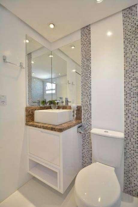 9. Mesmo um banheiro pequeno pode ser moderno e elegante