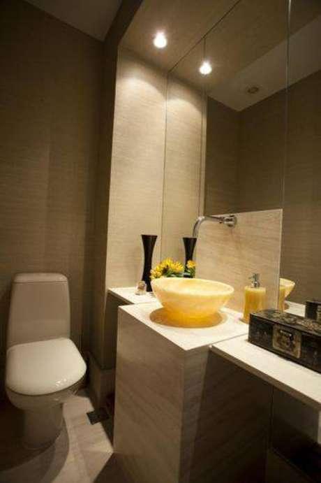1.Alguns banheiros modernos investem em formas geométricas e design diferenciado