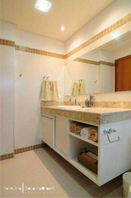15. Usar focos de luz nos banheiros modernos ajudam no uso diário