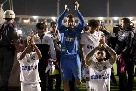 Gabigol, Rodrygo e Vladimir agradecem o apoio da torcida do Santos