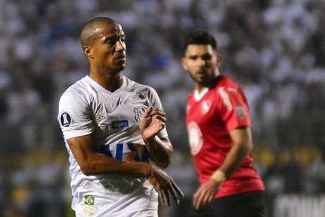 Sanchez foi titular no time do Santos