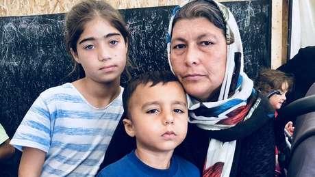 Sara Khan e seus filhos não conseguem dormir por medo de brigas
